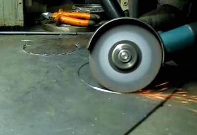 Чем вырезать круг в металле
